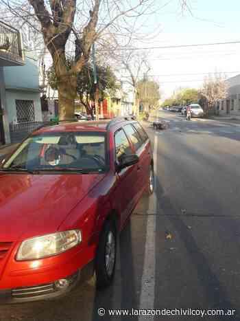 Choque en la esquina de Chacabuco y Pinto - La Razon de Chivilcoy