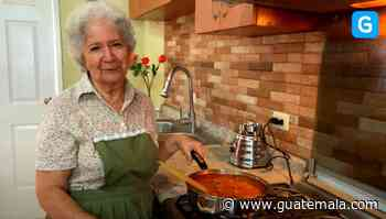 Delicias guatemaltecas con la abuelita, programa de cocina de Guatemala.com - Guatemala.com