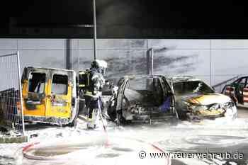 Fahrzeugbrand am Gerätehaus der Fw Kleinostheim - Feuerwehr Retten - Löschen - Bergen