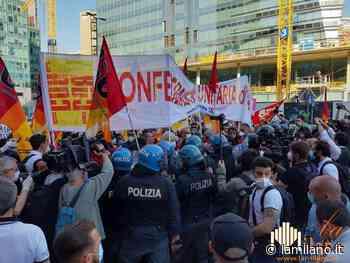 Corteo non autorizzato a Milano. De Corato presenta esposto in Procura - La Milano