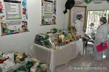 Directora de ICBF entrega canastas alimentarias a familias de Nueva Esperanza - El Heraldo (Colombia)
