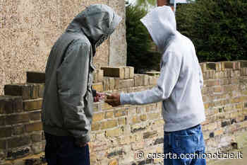 San Nicola La Strada, tenta di disfarsi della droga: pusher in manette - L'Occhio di Caserta