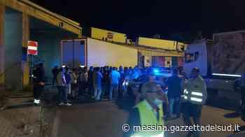 Protesta degli autotrasportatori a Messina, convocato tavolo tecnico in prefettura - Gazzetta del Sud