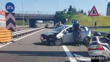 Incidente in tangenziale Est, auto perde il controllo e si schianta: ferito 86enne - Monza Today