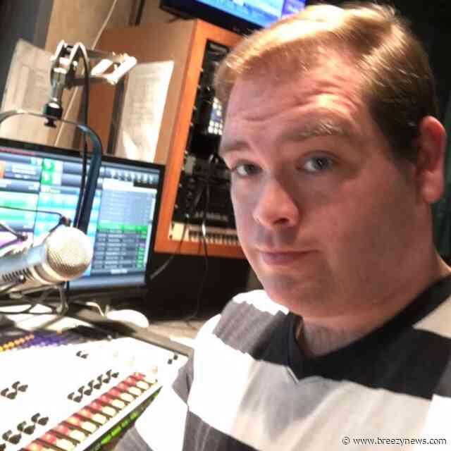 Award winning radio journalist Chris Davis returns to Boswell Media