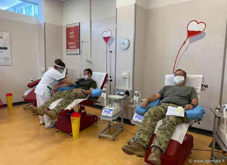 La donazione di sangue dei militari del 185° RRAO