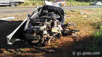 Colisão frontal deixa duas vítimas fatais na SP-457, em Rancharia - G1
