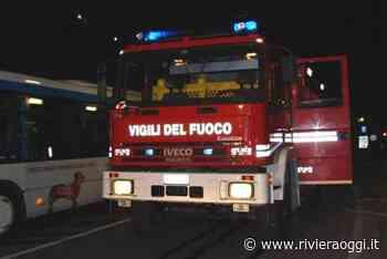 Auto in fiamme nella notte a Grottammare, intervento dei pompieri - Riviera Oggi