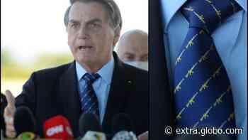 Gravata com fuzis é usada por Bolsonaro ao criticar operação contra fake news - Extra