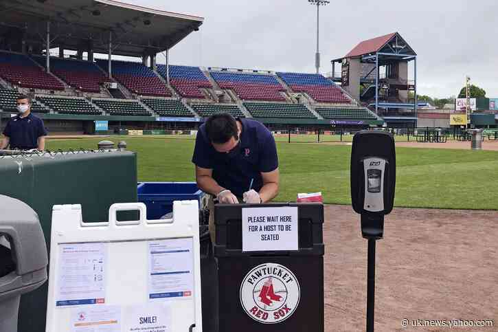 PawSox offer taste of baseball with 'Dining on the Diamond'