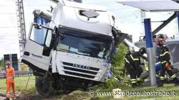 Dalmine, Tir fuori controllo lungo l'autostrada A4: disastro alla stazione di servizio - Strade & Autostrade