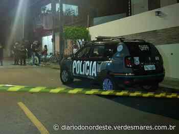 Mulher é morta a tiros na calçada de casa, em Aquiraz - Diário do Nordeste