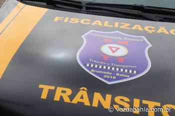Motorista com Covid-19 é flagrado transportando passageiros em Brumado - Voz da Bahia