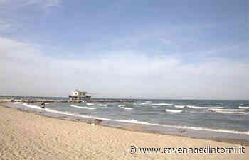 A Cervia i bagnini di salvataggio controlleranno le distanze tra le persone in spiaggia libera - Ravenna e Dintorni