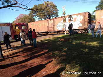 Um homem de nacionalidade haitiana ficou ferido após tentar atravessar a linha férrea e se - TNOnline