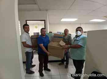 Alcalde de Sonzacate sigue entregando insumos médicos a profesionales de la primera línea de batalla - Diario La Huella