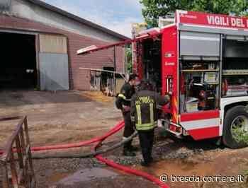Incendio a Castenedolo, a fuoco un fienile - Corriere della Sera