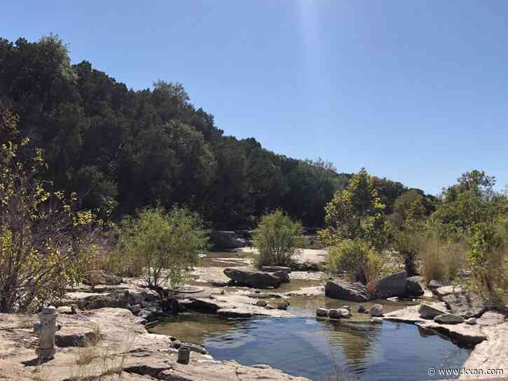 UT study shows Austin-area water and wastewater pipes feeding into Bull Creek