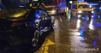 Macerata, schianto tra due auto lungo la Provinciale: 5 feriti, coinvolti 2 ragazzini (Foto) - Picchio News