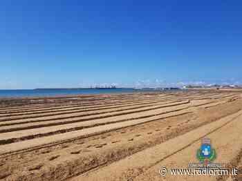 Iniziano le prime fasi di pulizia delle spiagge di Pozzallo - Radio RTM Modica