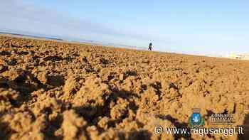 A Pozzallo inizia la stagione estiva con la pulizia delle spiagge - RagusaOggi