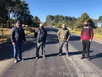 Deputado, prefeito e vereador fiscalizam obras de asfalto entre Irati a São Mateus do Sul - Hoje Centro Sul