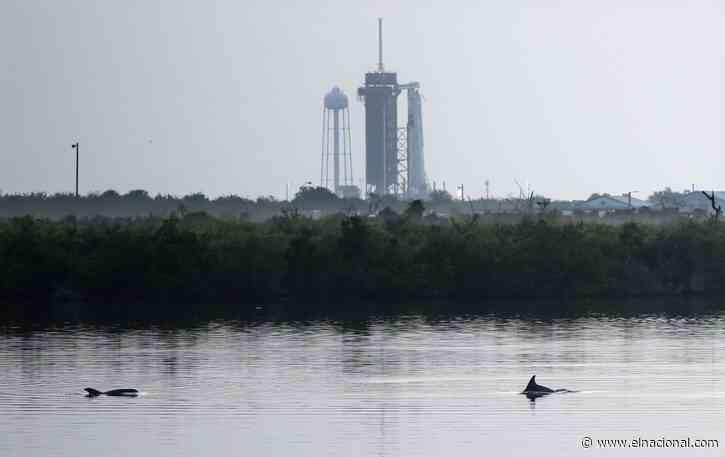 Exitoso despegue de cohete de SpaceX puso a dos astronautas rumbo al espacio