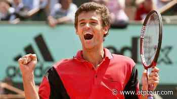 Roland Garros Flashback: Gustavo Kuerten Shocks World No. 1 Roger Federer In 2004 - ATP Tour