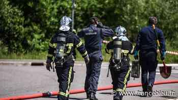 PHOTOS - Maizières-lès-Metz : intervention des démineurs après la découverte d'un obus dans une déchèterie - France Bleu
