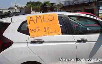 En Córdoba desfiló una caravana de al menos 150 vehículos en exigencia de que AMLO se vaya - plumas libres