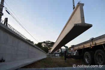 Primeiras vigas para construção da nova ponte chegam a Tubarão - Notisul