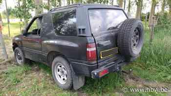 Politie spoort blonde bestuurder van Opel Frontera op: jeep in plantages achtergelaten - Het Belang van Limburg