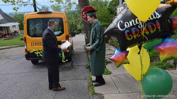 Carlynton School District Celebrates Its 2020 Graduates With 'Cougar Caravan'