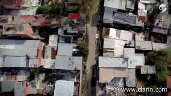 Coronavirus en Argentina: Recorrida en el Barrio Villa Itatí de Quilmes - Clarín.com