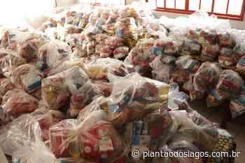 Arraial do Cabo 'faz o dever de casa' e entrega segundo lote de kits de segurança alimentar - Plantão dos Lagos
