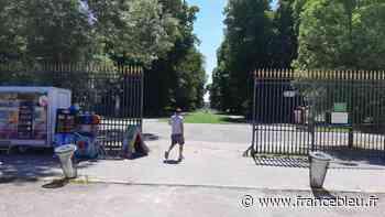 """PHOTOS - Réouverture des parcs et jardins à Dijon : """"on se sent un peu plus libres"""" - France Bleu"""