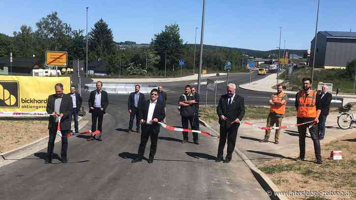 Kreisverkehr zwischen Bad Hersfeld und Hauneck eröffnet | Bad Hersfeld - hersfelder-zeitung.de