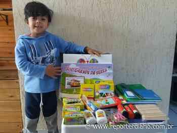 Rio Grande da Serra faz entrega kits de material escolar e didático a alunos da rede municipal - Repórter Diário