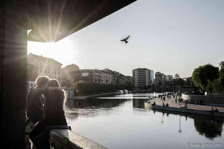 Older Italians Warily Eye Young Crowds, Fearing 2nd Coronavirus Wave