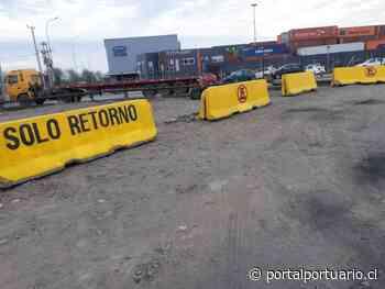 Puerto San Antonio pinta barreras New Jersey en calle Angamos por reiterado aparcamiento de camiones - PortalPortuario