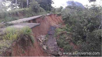 Se desplomó carretera en sector San Luis de Barinas tras registarse fuertes lluvias - El Universal (Venezuela)