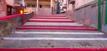 Vandalizzata storica scalinata di Torre del Greco: i tifosi 'festeggiano' così la promozione - Napoli Fanpage.it
