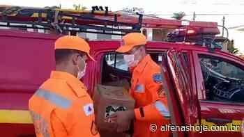 Bombeiros entregam leite arrecadado em parceria com o TRE - Alfenas Hoje