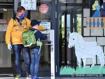 Maskenpflicht an Schulen fällt - Turnen und Singen wieder erlaubt - VIENNA.AT
