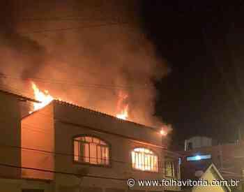 Casa é atingida por incêndio e assusta moradores de Domingos Martins - Folha Vitória