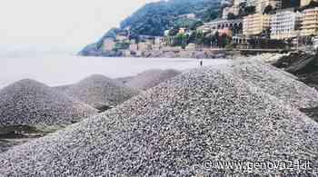 """Cumuli di ghiaia per il ripascimento della spiaggia di Voltri, Aster: """"Lavoro a regola d'arte"""" - Genova24.it"""