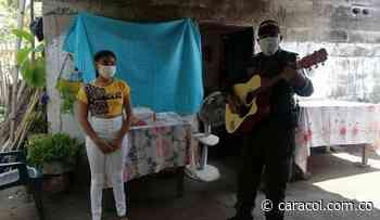 Policía da serenata a quinceañera en medio del confinamiento en Bolívar - Caracol Radio
