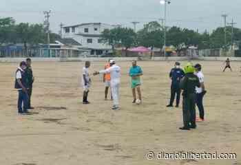 Patrulla COVID sorprendió a jóvenes jugando fútbol en Cancha Simón Bolívar y Parque McCausland - Diario La Libertad