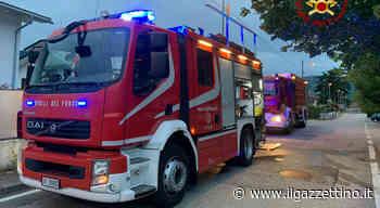 Arzignano, famiglia in strada all'alba: in fiamme il garage di casa Foto - Il Gazzettino
