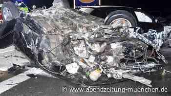 Autobahn stundenlang gesperrt - Allershausen: Mann (37) stirbt nach schwerem Unfall auf der A9 - Abendzeitung